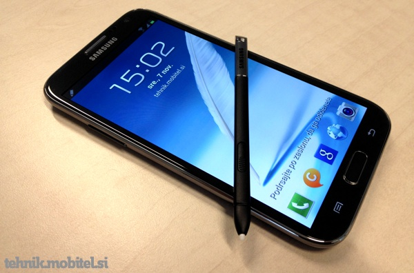 Samsung Galaxy Note II in pisalo S Pen